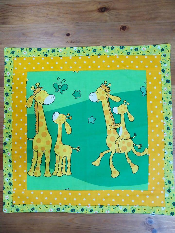 Povlak na polštář - žirafí rodinka