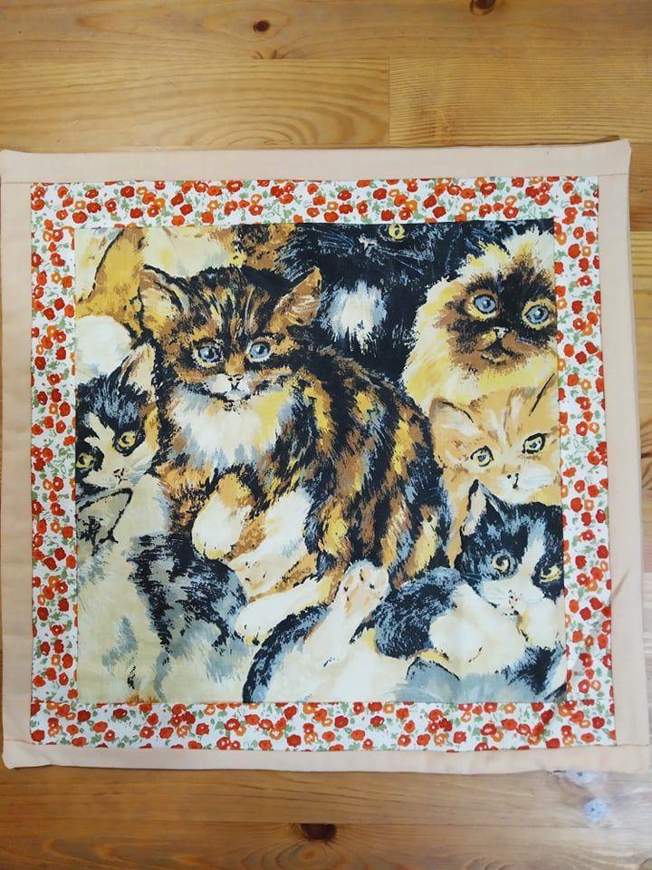 Povlak na polštář - hnědé kočky 1