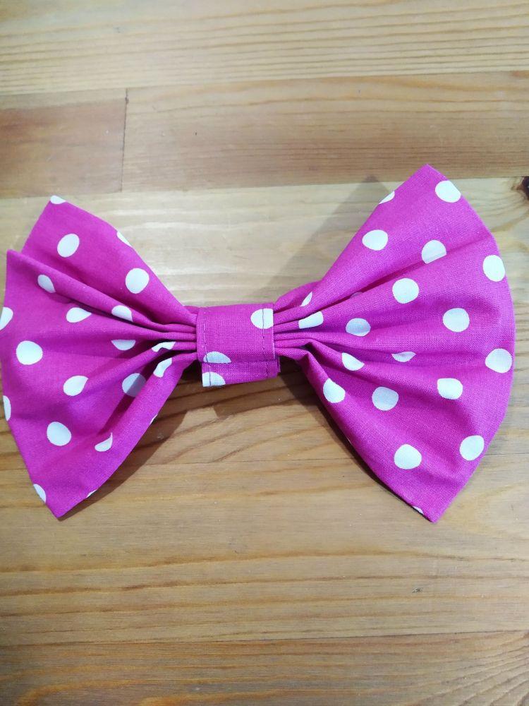 Motýlek - puntíky růžový