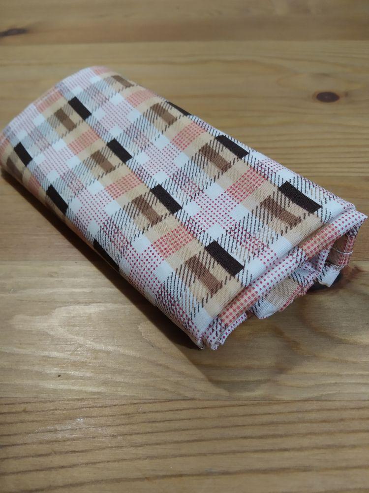 Šátek - kostky hnědý
