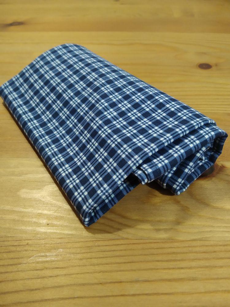Šátek - kostky modrý