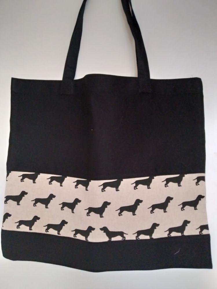 Taška přes rameno - jezevčíci na černé tašce