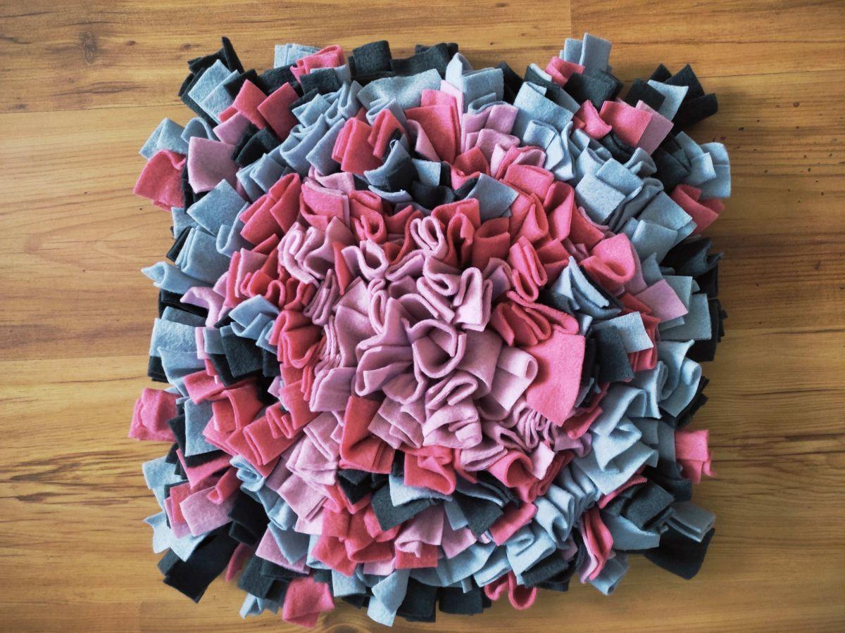 Čmuchací kobereček růžovo - šedý