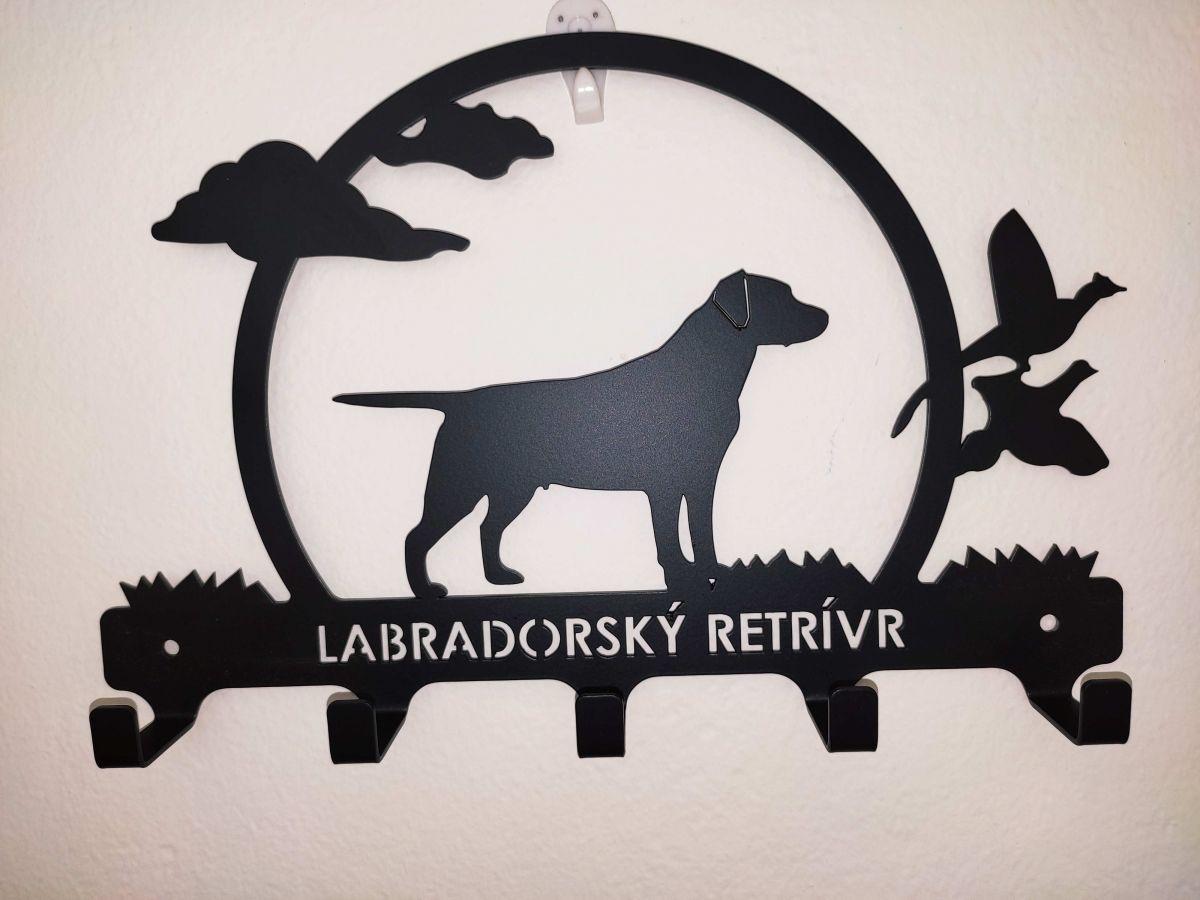 Věšáček - labradorský retrívr